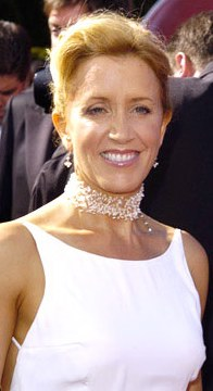 Felicity Huffman,choker necklace